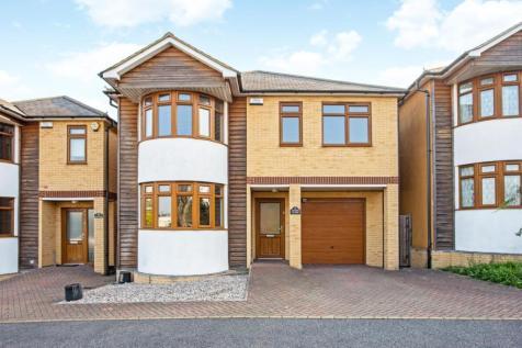 Acorn Close, Romford, Essex, RM1. 4 bedroom detached house for sale