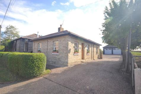 Mashbury Road, Chignal St. James, Chelmsford, Essex, CM1. 4 bedroom detached bungalow