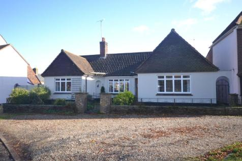 St. Johns Green, Writtle, Chelmsford, Essex, CM1. 3 bedroom detached bungalow for sale