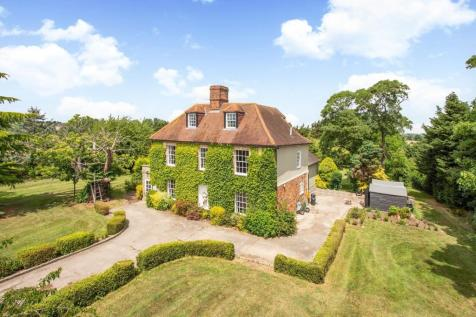 Chelmsford, Essex, CM1. 6 bedroom detached house