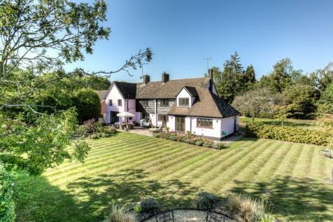 Heath Road, Ramsden Heath, Billericay, Essex, CM11. 4 bedroom detached house for sale