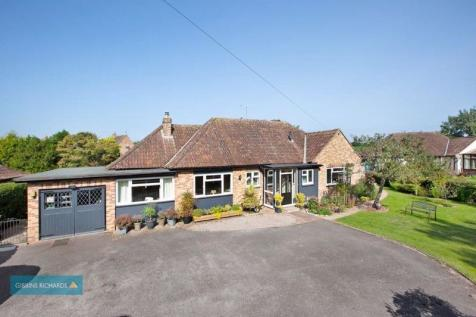 STAPLEGROVE. 4 bedroom detached bungalow for sale