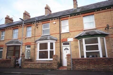 Winchester Street, Taunton. 3 bedroom terraced house