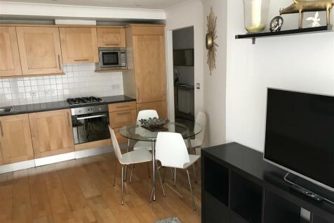 Ferry Lane, Brentford. 2 bedroom apartment