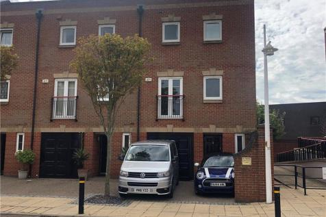 Perseus Terrace, Gunwharf Quays, Portsmouth. 4 bedroom house