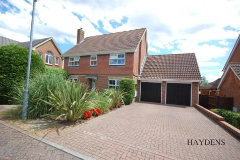 Sell Close, West Cheshunt. 5 bedroom detached house for sale