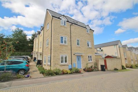 Vicarage Drive, Mitcheldean. 4 bedroom end of terrace house
