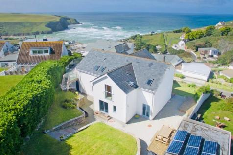 Mawgan Porth, TR8. 4 bedroom detached house