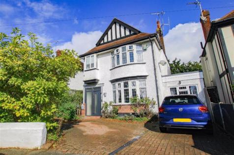 Arundel Gardens, Westcliff On Sea, Essex. 5 bedroom detached house for sale