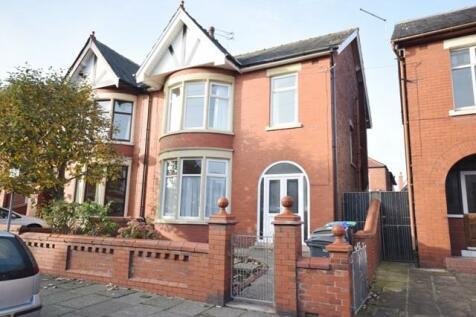 Longton Road, Blackpool. 2 bedroom flat