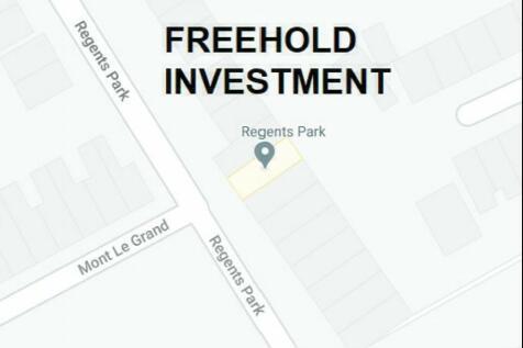 REGENTS PARK, EXETER, DEVON. 2 bedroom flat for sale