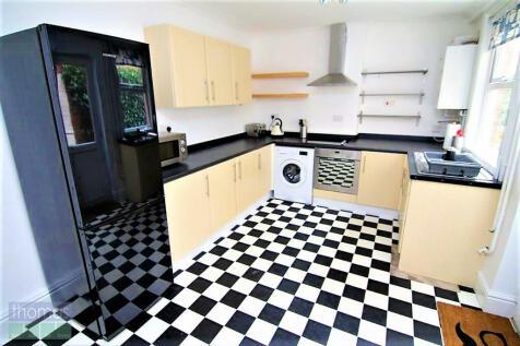 Queens Road, Chester. 4 bedroom terraced house