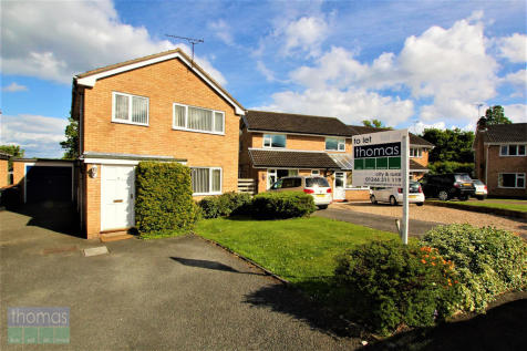 Eccleston Road, Higher Kinnerton. 3 bedroom detached house