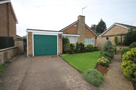 Buckingham Road, Oakham. 3 bedroom detached bungalow