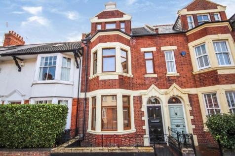 Broadway, Northampton. 5 bedroom terraced house for sale