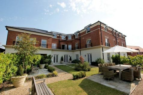 Fleur de lis, Dairy Walk, Hartley Wintney. 1 bedroom apartment for sale