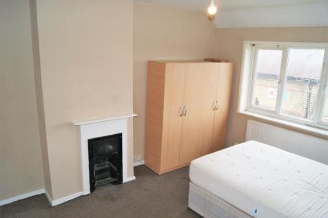 Moorside Road, Downham, BR1. 1 bedroom house share