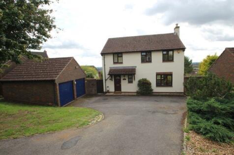 66 Hilltop Way, Salisbury, SP1 3QQ. 4 bedroom detached house