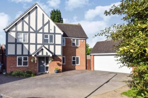 Woodcutters Close, Hornchurch, Essex, RM11. 5 bedroom detached house