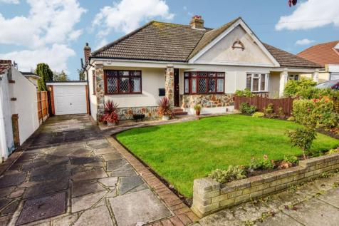 Clyde Way, Romford, Essex, RM1. 3 bedroom bungalow for sale