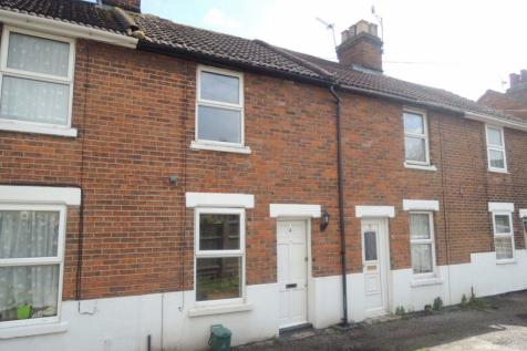 EAST HILL. 2 bedroom house