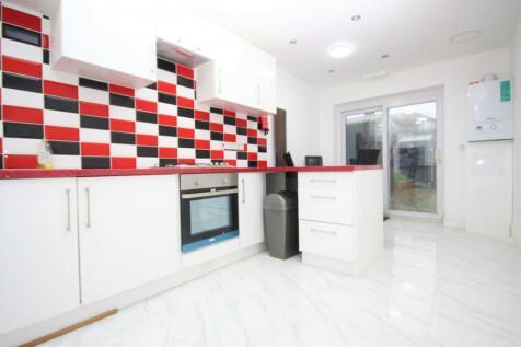 Standfield Road, Dagenham, RM10. 7 bedroom house