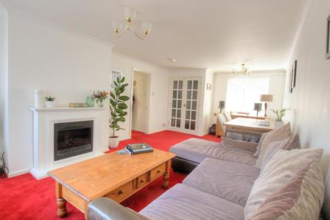 Leggfield Terrace, Hemel Hempstead. 2 bedroom maisonette
