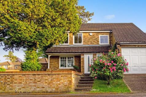 Lancaster Close, Reading. 4 bedroom detached house for sale