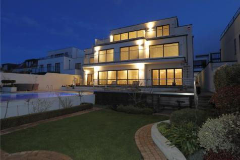 Roedean Road, Brighton, East Sussex, BN2. 6 bedroom detached house for sale