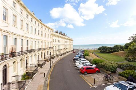 Adelaide Crescent, Hove, East Sussex, BN3. 6 bedroom terraced house