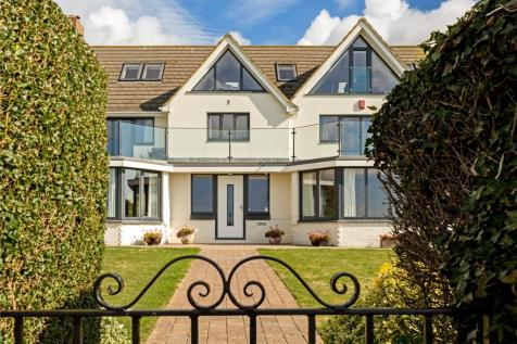 Roedean Way, Brighton, East Sussex, BN2. 5 bedroom detached house for sale