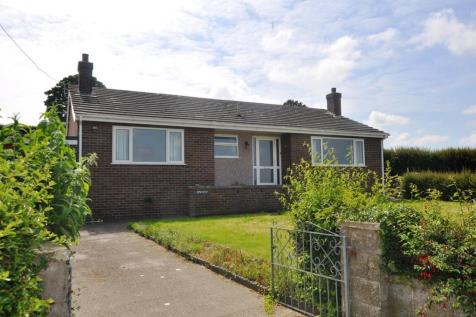 Y Glyn, Llanrhaeadr, LL16 4NW, North Wales - Detached Bungalow / 3 bedroom detached bungalow for sale / £250,000