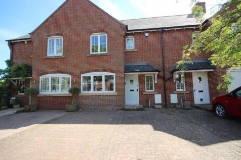 CHRISTCHURCH TOWN CENTRE. 3 bedroom house