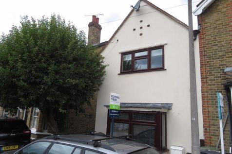 Buckhurst Hill. 3 bedroom house
