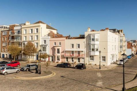 Grand Parade, Old Portsmouth. 4 bedroom terraced house