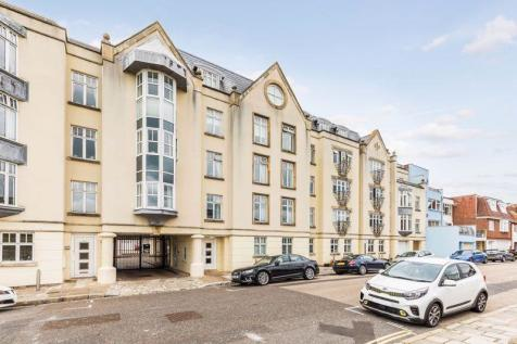 Penny Street, Old Portsmouth. 3 bedroom apartment