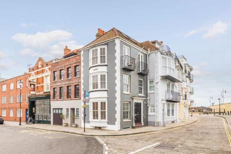 Battery Row, Old Portsmouth. 3 bedroom town house