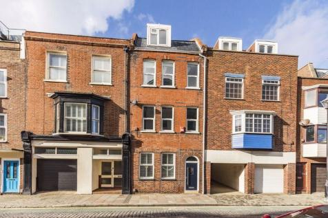 Broad Street, Old Porstmouth. 3 bedroom town house for sale