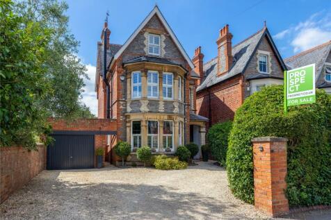 Glebe Road, Reading, Berkshire, RG2. 5 bedroom detached house for sale
