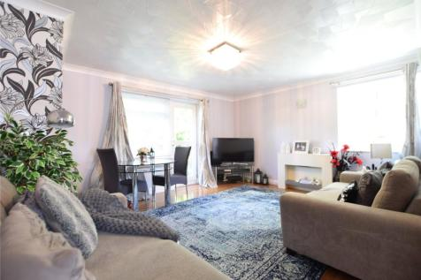 Valerie Court, Bath Road, Reading, Berkshire, RG1. 2 bedroom apartment
