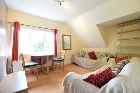 Western Elms Avenue, Reading, Berkshire, RG30. 2 bedroom apartment