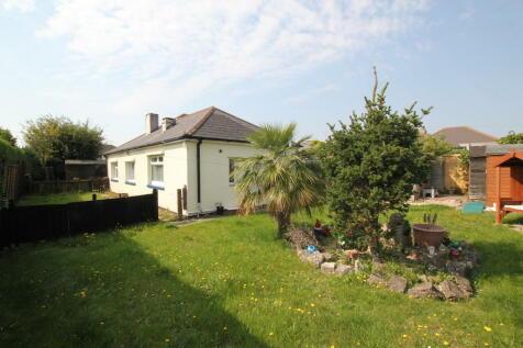 Southill Road, Poole. 3 bedroom detached bungalow