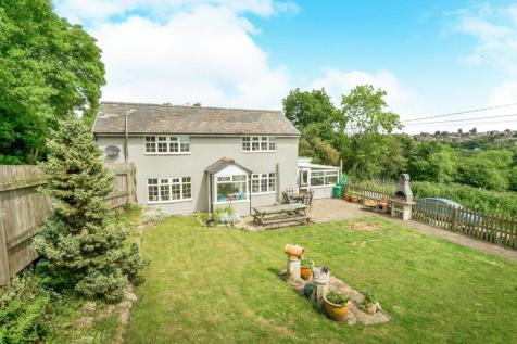 Wern, Bersham, Wrexham, Wrecsam, LL14, North Wales - Detached / 4 bedroom detached house for sale / £205,000