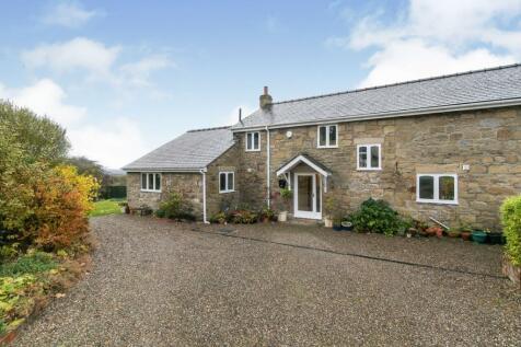 Vron Farm, Llewellyn Road, Wrexham, LL11. 4 bedroom barn conversion