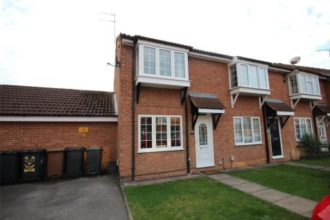 Claverley Green, Luton, Beds, LU2. 2 bedroom end of terrace house