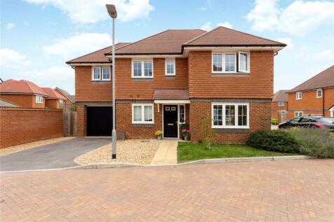 Howes Crescent, Bishopdown, Salisbury, Wiltshire, SP1. 4 bedroom detached house for sale
