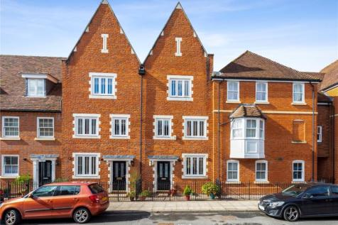 Charter Court, Gigant Street, Salisbury, Wiltshire, SP1. 4 bedroom terraced house for sale