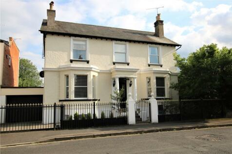 Castle Crescent, Reading, Berkshire, RG1. 5 bedroom detached house