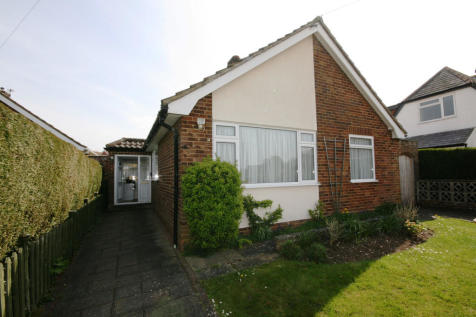 Crabtree Close, Bookham. 2 bedroom detached bungalow