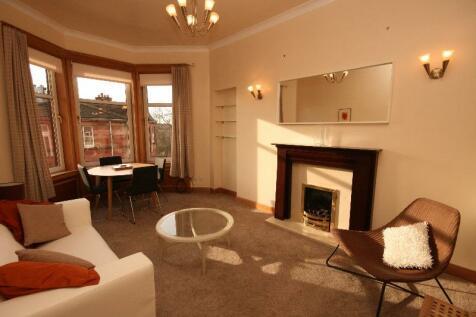 Garrioch Crescent, North Kelvinside, Glasgow, G20. 2 bedroom flat